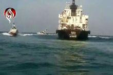 فیلم لحظه توقیف کشتی قاچاق سوخت در خلیج فارس