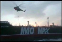فیلم لحظه توقیف نفتکش انگلیسی توسط تکاوران نیروی دریایی سپاه