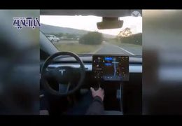 خودرویی که مسیر را بر اساس هوش مصنوعی طی می کند+ فیلم