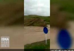 جاری شدن سیلاب در ازگله و گیلانغرب