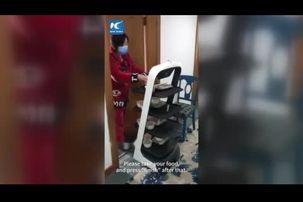 نحوه غذا خوردن بیماران مبتلا ویروس کرونا در چین+ فیلم
