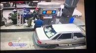 سرقت وسایل خودروی پراید در پمپ بنزین + فیلم