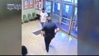 عاقبت کسی که با چاقو وارد اداره پلیس نیویورک شود