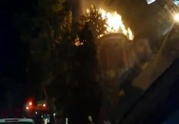 فیلم آتشسوزی یک انبار در میدان حسنآباد تهران