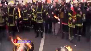 دو  آتشنشان معترض فرانسوی خود را اتش زدند+  فیلم